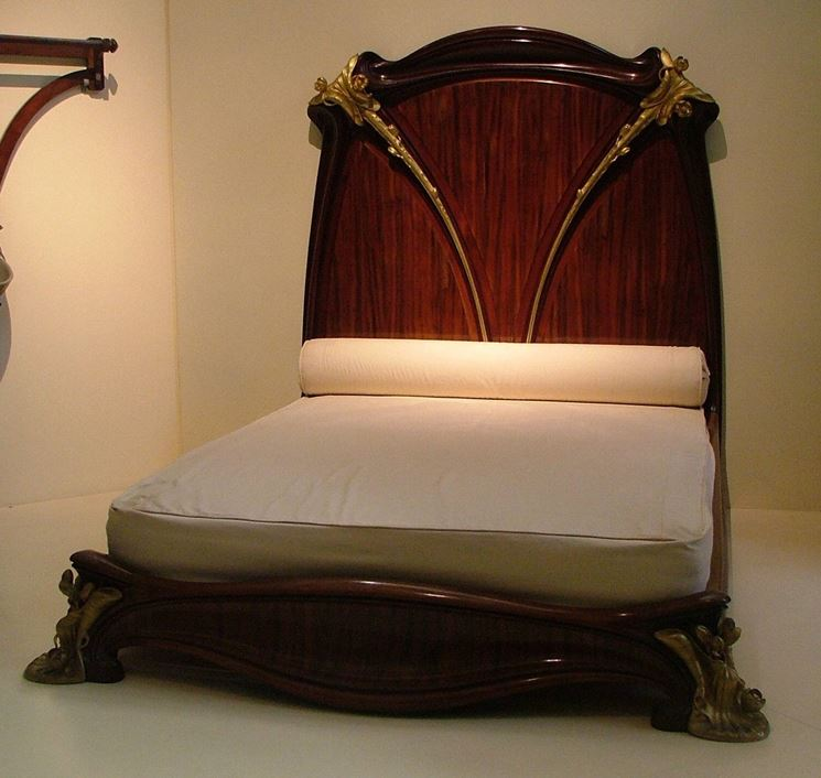 Caratteristiche stile liberty arredare la casa - Art nouveau mobili ...