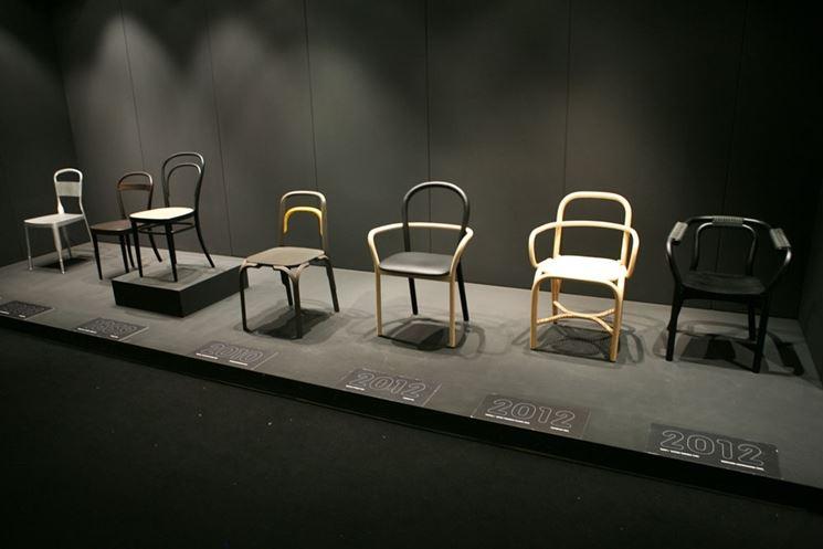 D�j�-Vu exhibition in Kortrijk - Biennale 2012 (sedie thonet- originals and tributes)
