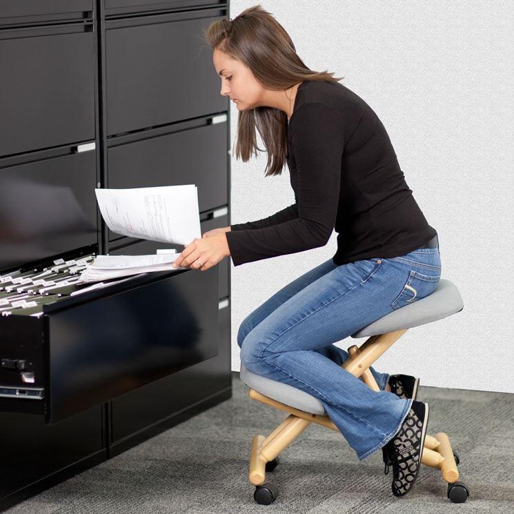 Caratteristiche delle sedute ergonomiche cura dei mobili for Sedia ergonomica