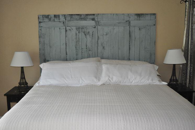 Come scegliere la testiera del letto cura dei mobili - Testiera letto in legno ...