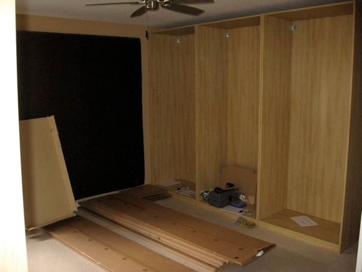 Costruire una cabina armadio fai da te cura dei mobili for Come costruire una cabina di pietra