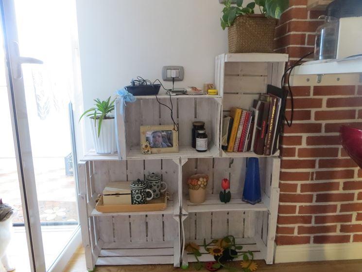 librerie fai da te con cassetta frutta