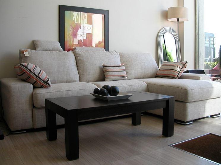 Meglio il divano in pelle o in tessuto il divano - Prodotti per pulire il divano in tessuto ...