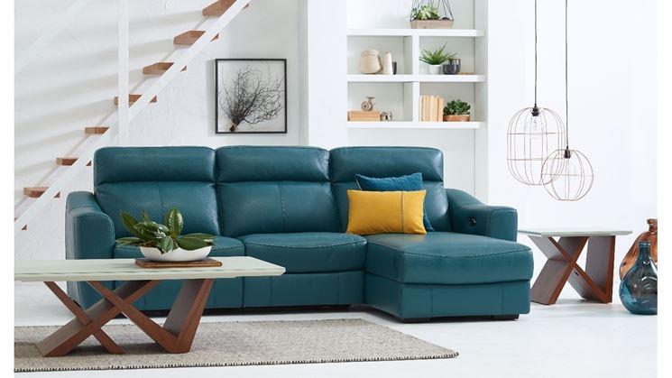 Modelli e prezzi divani colorati il divano divani colorati for Prezzi divani moderni