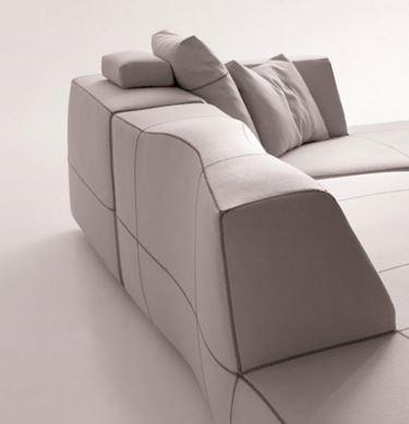 Esempio di divano che si può utilizzare con un arredamento etnico