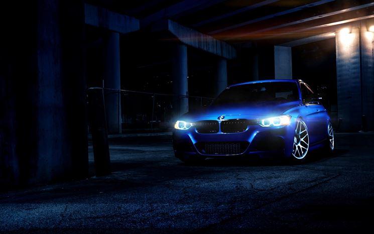 auto luci notte