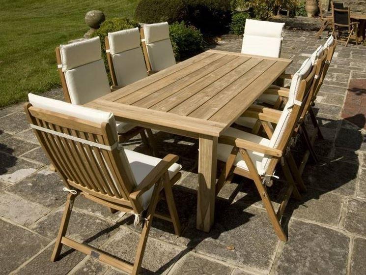 I migliori tavoli da giardino tavoli e tavolini guida for Mobili da giardino economici