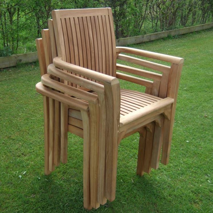 Pregi dei tavoli giardino teak tavoli e tavolini for Elementi da giardino