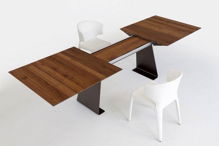 Vantaggi del tavolo estensibile tavoli e tavolini i for Tavolo tondo estensibile