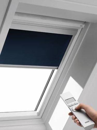 Come realizzare tende per lucernari tende e tendaggi for Oscuranti per finestre velux