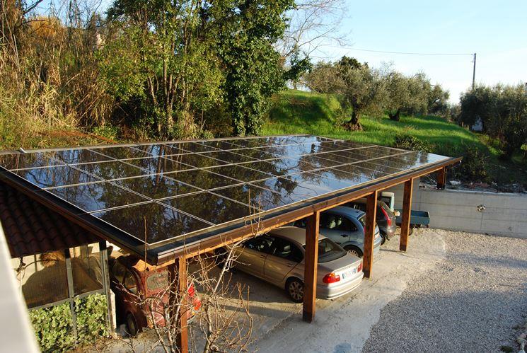 Pensilina fotovoltaica con parcheggio per auto