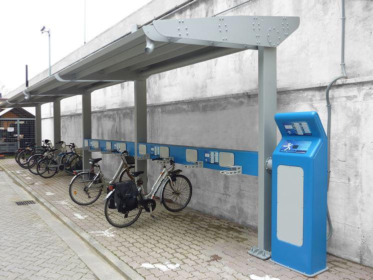 Pensilina fotovoltaica per biciclette