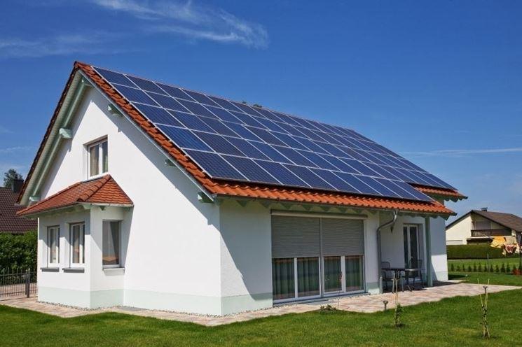 fotovoltaico sul tetto di una casa