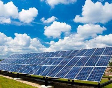 Panneli fotovoltaici a terraFonte: www.orlandimaurizio.it