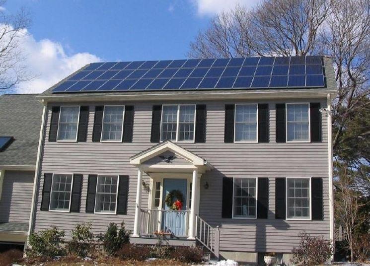 Esempio di pannelli fotovoltaici installati sui tetti