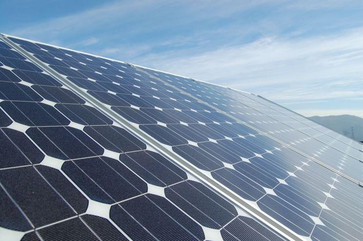Pannelli fotovoltaici disposti in moduli