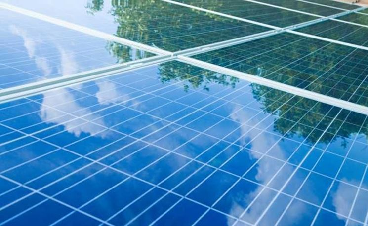 Pannelli fotovoltaici installati con moduli