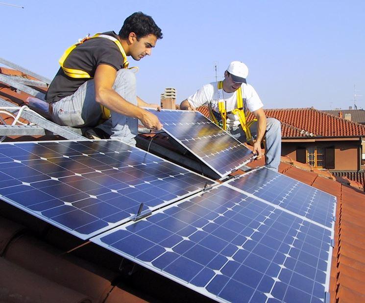 Installazione di pannelli fotovoltaici su un'abitazione