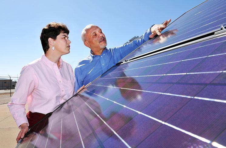 Esempio di impianto fotovoltaico con tegole in film sottile a impatto visivo nullo.