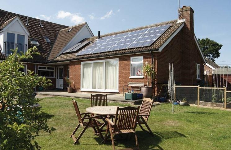 impianto a pannelli solari fotovoltaici su villetta