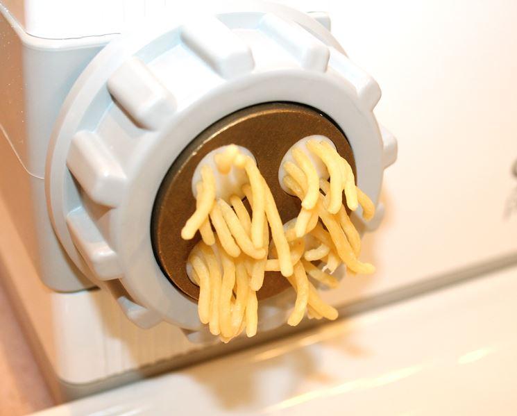 Macchine per la pasta fatta in casa robot per cucina - Impastatrice per pasta fatta in casa ...