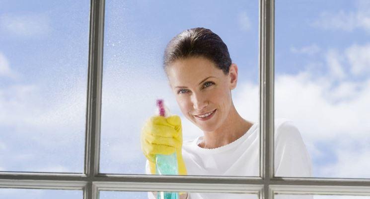 pulizia dei vetri - Come Pulire - Pulire i vetri
