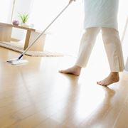 Come pulire ogni tipo di superficie for Pulizia parquet