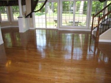 Tipologie di cere per pavimenti come pulire cere per - Pulire vetri finestre ...