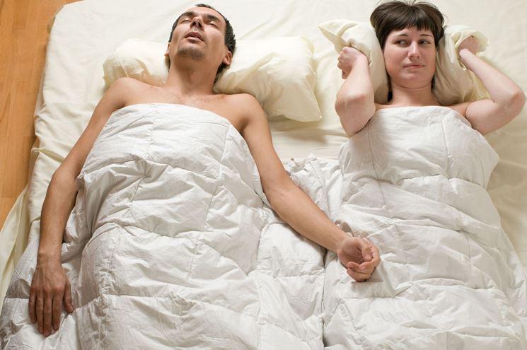 Roncopatia: guida per smettere di russare