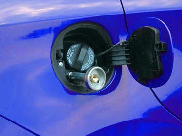 Bocchettoni in un auto bi-fuel