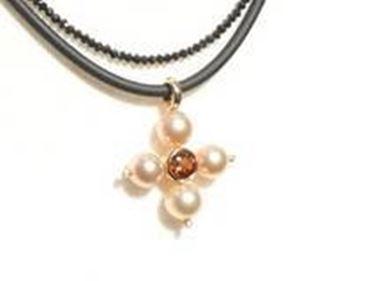pendente hobby perline a forma di croce