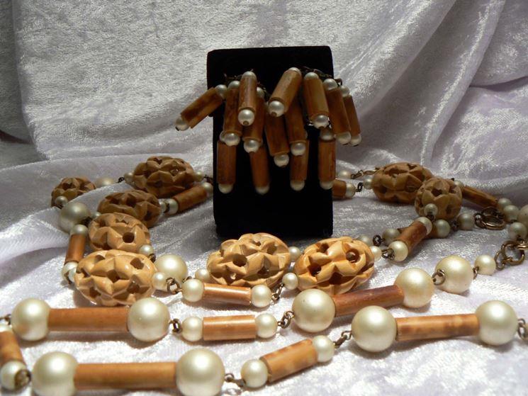 Collana perle di legno
