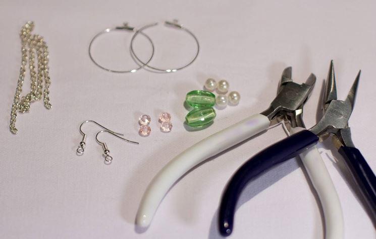 Strumenti e componenti per bigiotteria