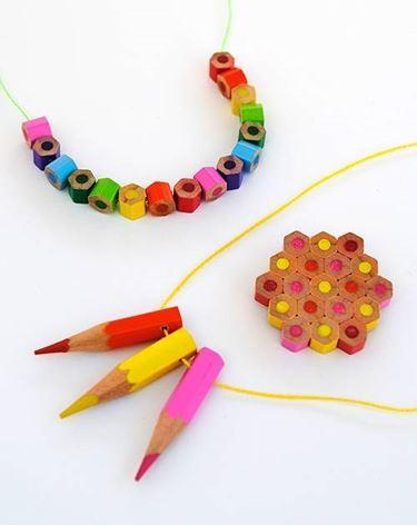Gioielli con matite colorate