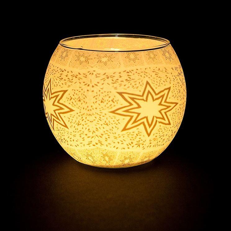 Decorazione in fimo su un bicchiere