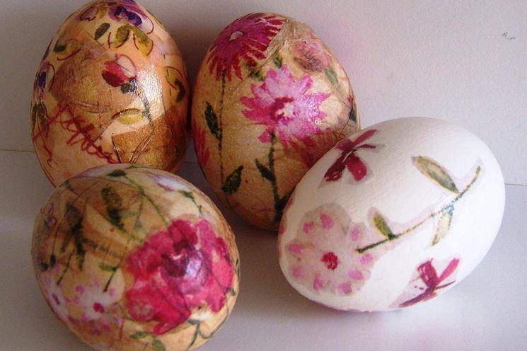 Realizzare le uova pasquali decoupage