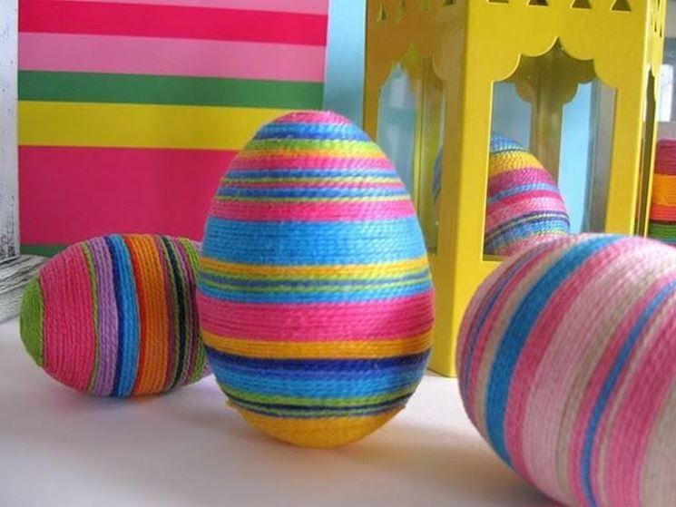 Come realizzare le uova pasquali il bricolage decorare - Decorazioni uova pasquali per bambini ...