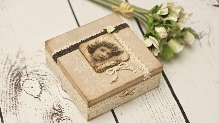 scatola decorata con decoupage