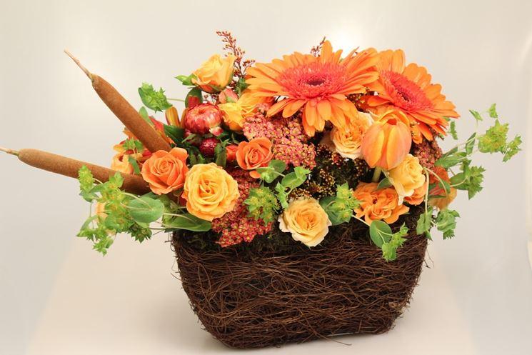 Composizione di fiori secchi sui toni dell'arancione. (Fonte: 1.bp.blogspot.com)