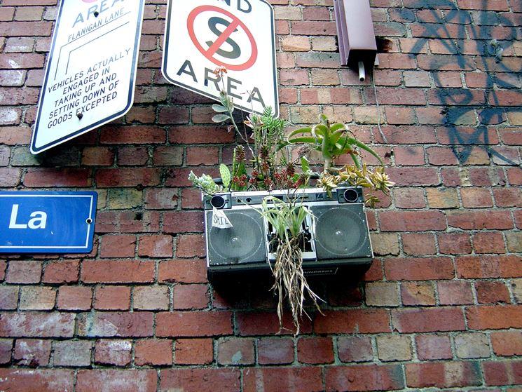 Segni di guerrilla gardening cittadina