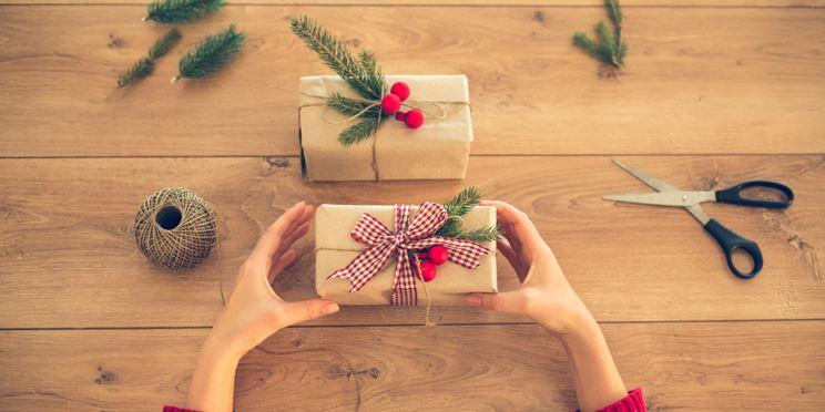 Confezioni natalizie colorate