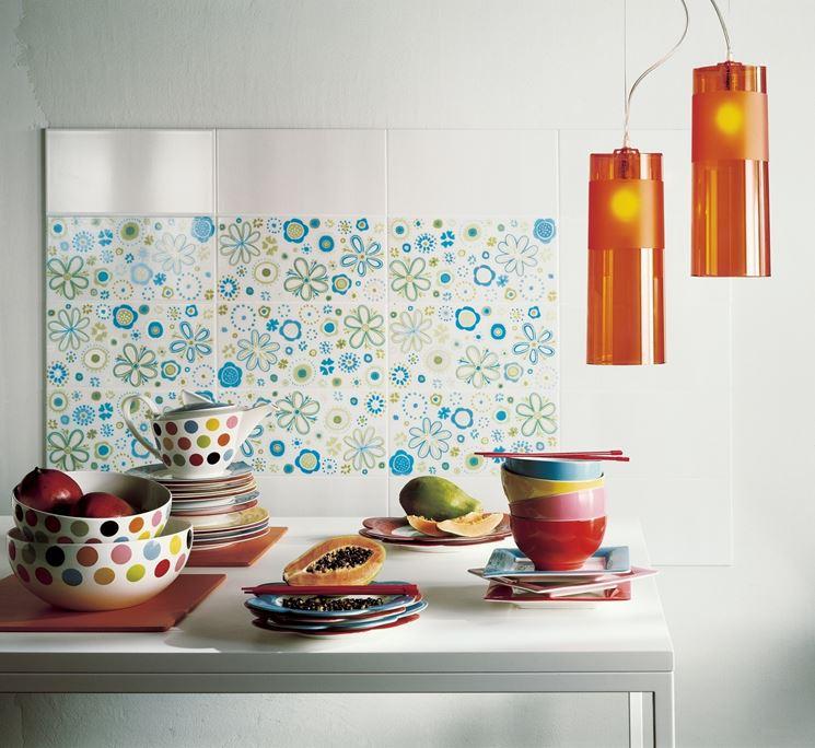 Scegliere piastrelle decorate il decoupage come - Piastrelle decorate per cucina ...