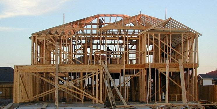 Scheletro di edificio in legno