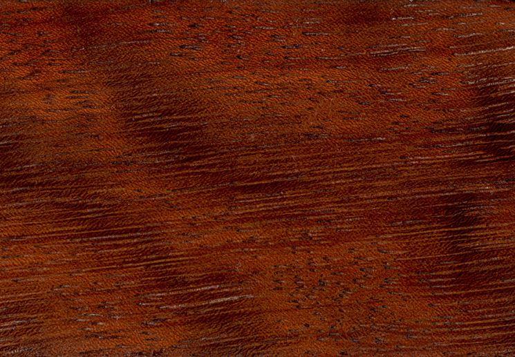 Dettaglio legno iroko lavorato