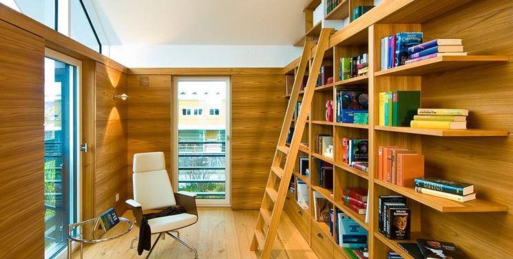 Un altro esempio di progetto di una libreria in legno fai da te