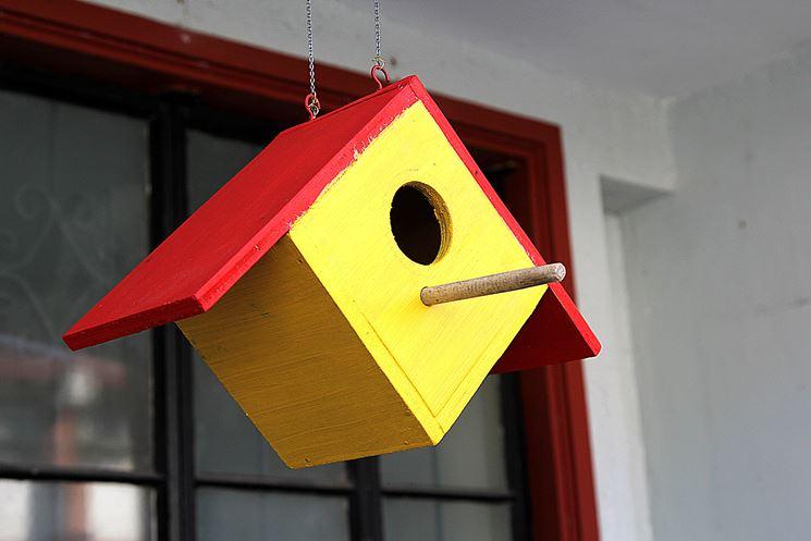 Casetta per uccelli semplice a sei pannelli