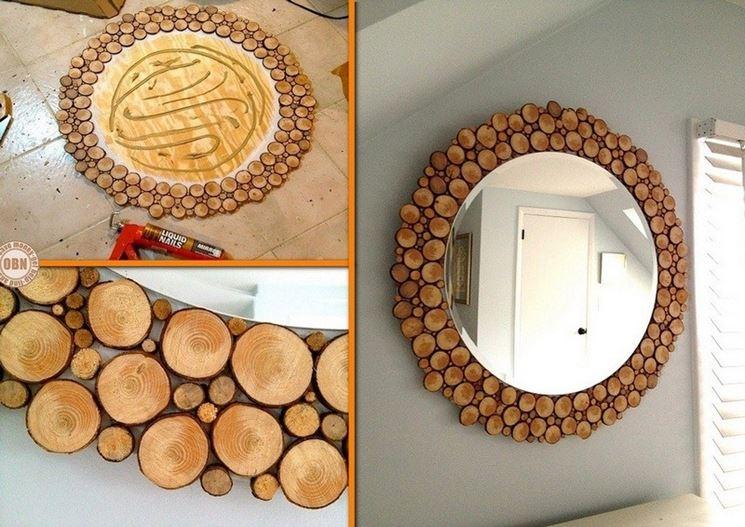 Una cornice in bricolage di legno
