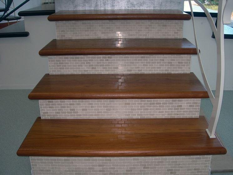 rivestimento scale legno