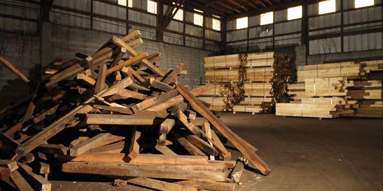 Rifiuti di legno da riciclare