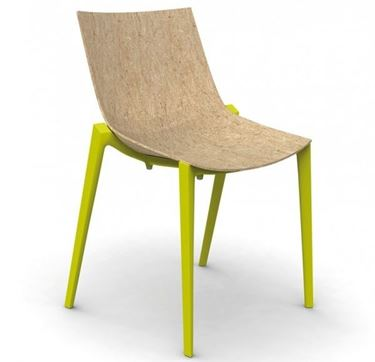 Sedia prodotta con legno liquido
